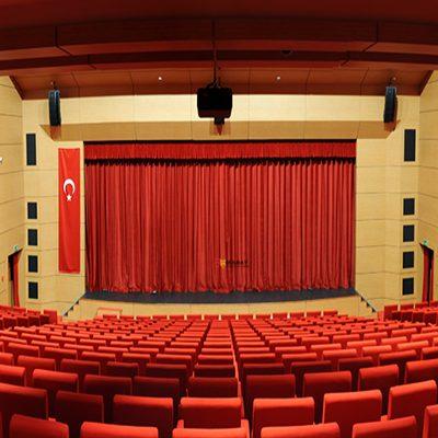tiyatro-salonu-ses-yalitimi